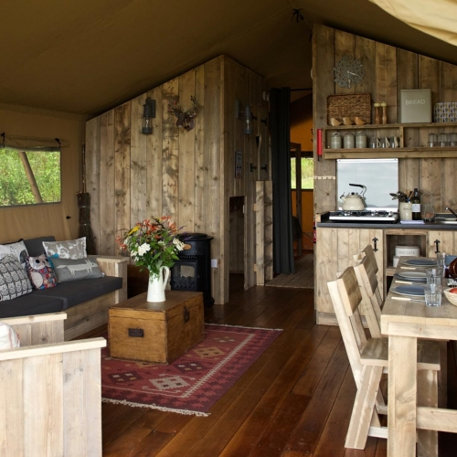 Lots of room to Relax with Loose Reins Lodges